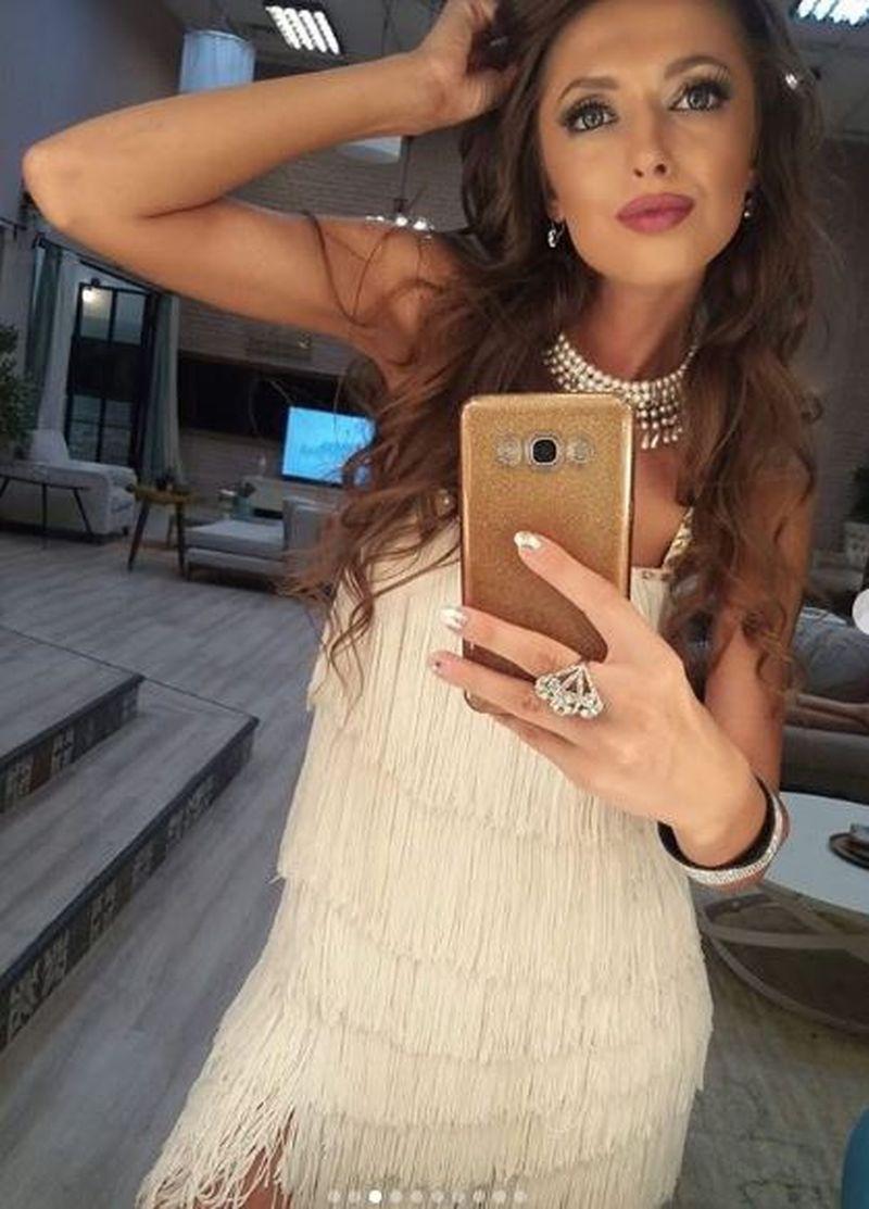 "Mariana, fosta concurenta de la ""Puterea dragostei"", aparitie-soc, la bordul unui bolid de lux, in Republica Moldova!"