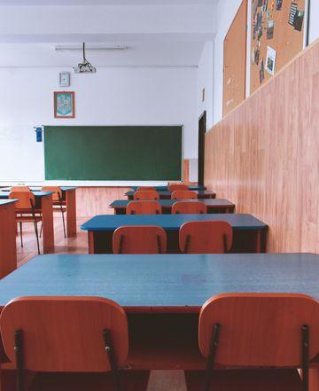 Elevii vor rămâne acasă și după Paște? Ministrul Educației lămurește situația