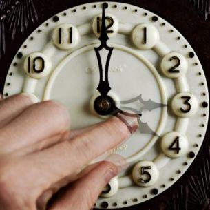 Se schimba ora! Romania trece, in aceasta noapte, la ora de vara: ora 3.00 devine ora 4.00