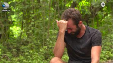 """""""De ce mi-a fost frica nu am scapat!"""" Cristian, in lacrimi, dupa ce a ajuns in pericol de eliminare! Afla cum vor gestiona Razbonicii noile tensiuni iscate in tabara lor si ce se va intampla in noul joc, ASTAZI, la """"Survivor Romania"""", de la ora 20:00!"""