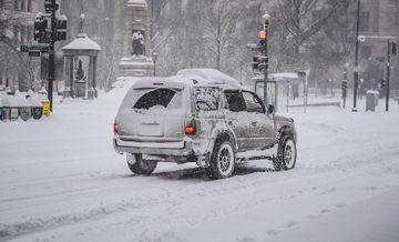 Prognoza meteo: vine din nou iarna peste Romania! Cod galben de ninsori