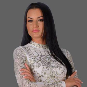 Manuela, fosta concurenta de la ''Puterea dragostei'', apel la toti fanii ei: ''Scrieti-mi in privat si va ofer cu drag o punga cu alimente''