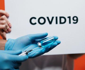 Cum au reacționat vecinii unei asistente când au aflat că lucrează la un spital unde sunt internați pacienți cu COVID-19?