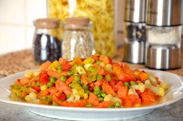 7 greseli pe care le faci cand gatesti legume congelate