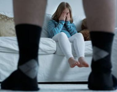 Un bărbat a agresat sexual fiicele cumnatului său, în vârstă de 5 şi 7 ani, și a...