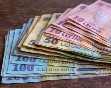 Bani de la stat pentru studenți și pensionari