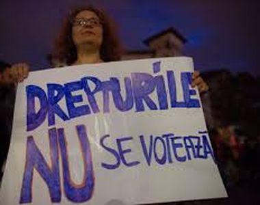 """Proteste în fața Guvernului, faţă de """"dictatura sanitară"""": """"Vrem eliberare, nu..."""