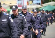 """Scandal în Piața Victoriei la protestul anti-măști Covid19. Doi bărbați, ridicați de jandarmi. """"Nu ne temem de bau-bau"""""""