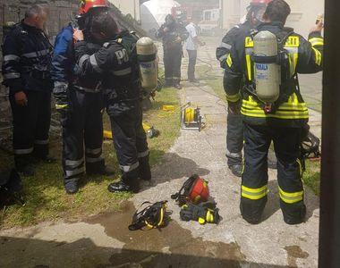 Incendiu la Spitalul Orăşenesc din Sinaia, peste 30 de persoane fiind evacuate