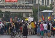 Protest în Piața Victoriei împotriva legii carantinei. Jandarmii, pe poziții