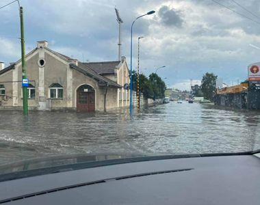 EXCLUSIV| Ploi torențiale și fenomene extreme în Capitală și în țară. Explicația...