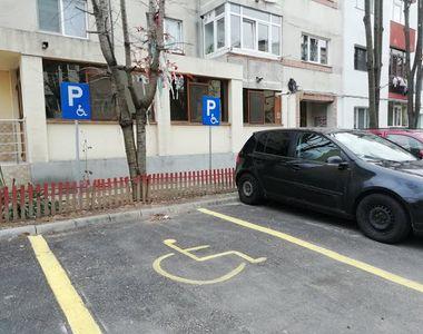 Amenzi de până la 10.000 de lei pentru parcarea pe locurile rezervate persoanelor cu...