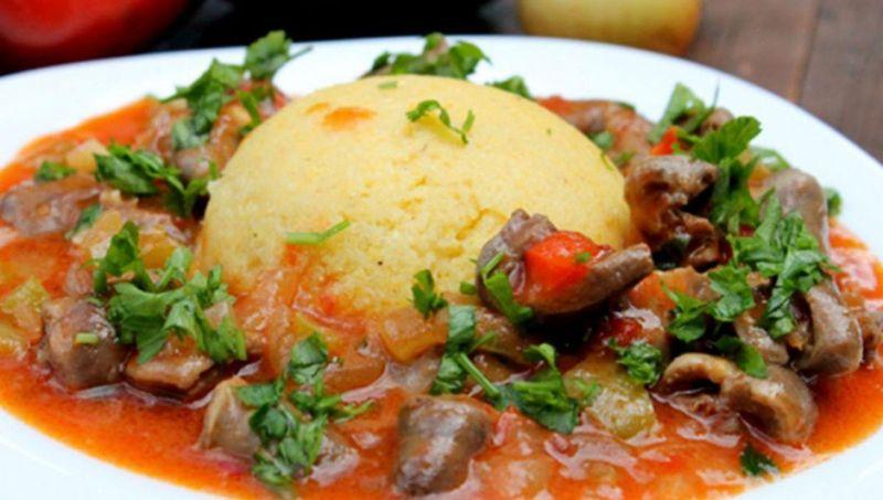 Tocăniţă de pipote de pui, o reţetă simplă şi delicioasă