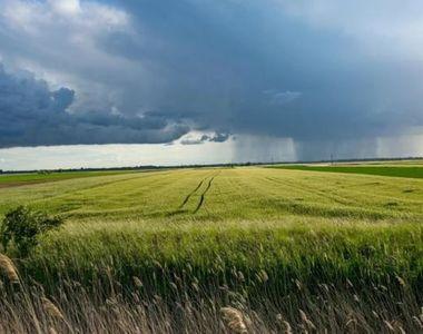 Avertizare meteo de furtuni și disconfort termic în jumătate din țară. HARTA