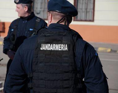 Un jandarm a fost găsit împuşcat în cap cu arma din dotare, la postul de pază