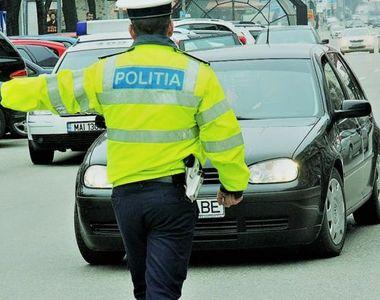 Poliția criticată dur după activitatea desfășurată la priveghiul şi înmormântarea lui...