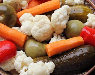 Avertismentul medicilor: NU mai mâncaţi murături dacă suferiţi de aceste boli!