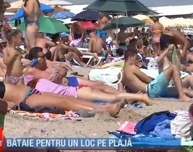 VIDEO - Aglomerație pe litoral, în weekend. Bătaie pe un loc de plajă la Costinești