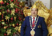 Dorin Cioabă vrea să calce pe urmele lui Klaus Iohannis! Regele Romilor a primit la cort vestea că are dreptul să candideze la Primăria Sibiu, înconjurat de purcei de lapte, fripturi și mezeluri!