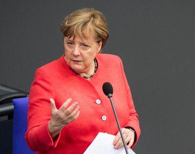 """Merkel: """"Pandemia covid-19 ar urma să se agraveze şi numai un vaccin poate permite..."""