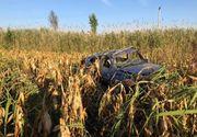 Tineri găsiți morți într-un Logan răsturnat pe câmp