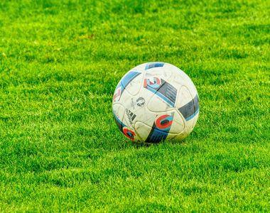 Nouă cazuri de Covid-19 în cadrul unei echipe de fotbal