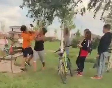 VIDEO | Bătut de la o joacă de copil