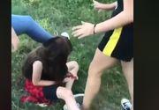 Adolescentă bătută şi umilită de alte patru fete
