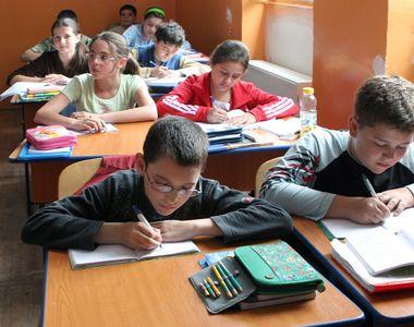 Scenariile pentru începerea şcolii: INSP a anunţat situaţia epidemiologică pentru...