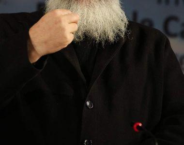 Preotul infectat cu coronavirus a fost acuzat de pedofilie și homosexualitate!...