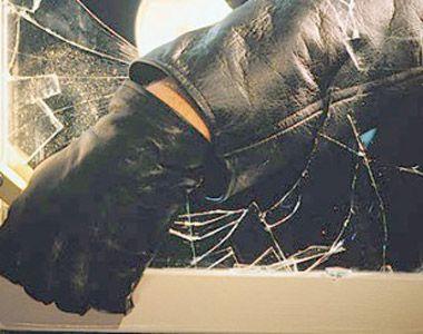 Percheziții în Capitală la o grupare suspectată de furturi din locuinţe