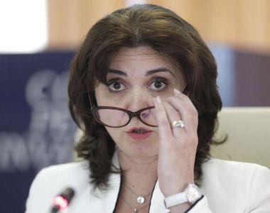 """Ministrul Educaţiei: """"Toată lumea critică, nimeni nu vine cu soluţii"""""""