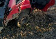 VIDEO - Descoperire macabră în Timiș: Doi oameni, găsiți morți lângă o mașină răsturnată