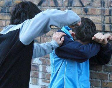 VIDEO - Tot mai multe cazuri de bullying ies la iveală în România. Sunt găști de...