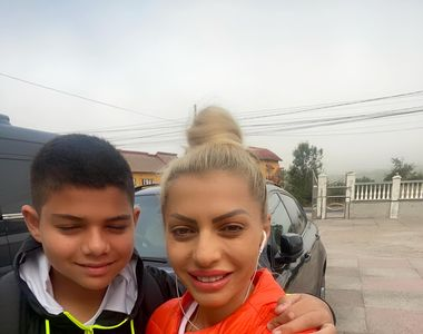 Aroganța Nicoletei Guță! Manelista și-a dus copilul în prima zi de școală cu bolidul de...