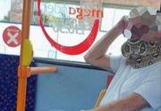 """S-a urcat în autobuz cu un șarpe în loc de mască. """"Când l-am văzut că mișcă, am țipat"""""""