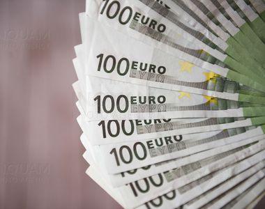 Curs valutar BNR, azi 17 septembrie.  Dezastru pentru leu: EURO atinge un nou maxim...