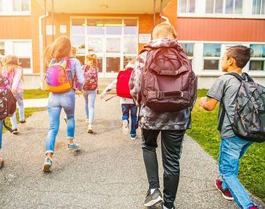 Scenariul roşu se extinde la încă 12 şcoli