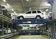 """Cum sunt mutate mașinile de lux într-un garaj automatizat. Imaginile par """"ireale"""""""