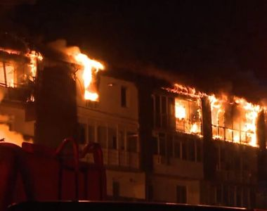 VIDEO - Incendiu în bloc. Locatari ajunși la spital