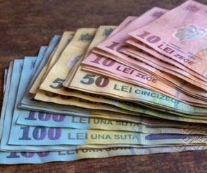 890 de salariați fără bani