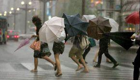 Vremea rea loveşte România: Cod portocaliu şi galben de ploi şi vânt puternic