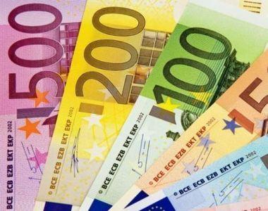 Prognoză sumbră despre cursul valutar. Euro atinge pragul de 5 lei