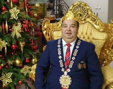 Cum s-a dus Regele Cioabă îmbrăcat la vot! Înainte să se ducă să voteze, Regele...