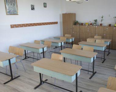 Şcolile din municipiul Galaţi şi din alte trei comune trec la scenariul galben. Rata de...