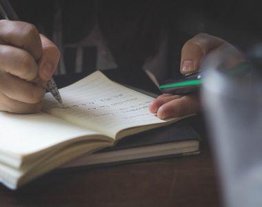 Tot mai multe unităţi de învăţământ trec la varianta cursurilor online, din cauza COVID-19