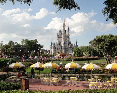 Disney va concedia 28.000 de angajaţi din parcurile tematice din Statele Unite