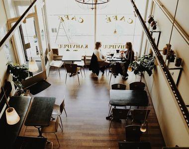 Restaurantele interioare, cafenelele, sălile de jocuri de noroc şi căminele culturale,...