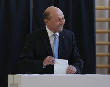 Băsescu: În goana după voturi, Iohannis şi Orban sacrifică un popor