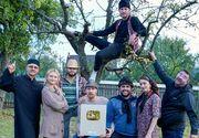 """Reteta succesului. Actorii din serialul """"Moldovenii"""", echipa de la """"3Chestii"""", au primit certificarea meritelor la cei peste 1 milion de abonati pe canalul de YouTube"""